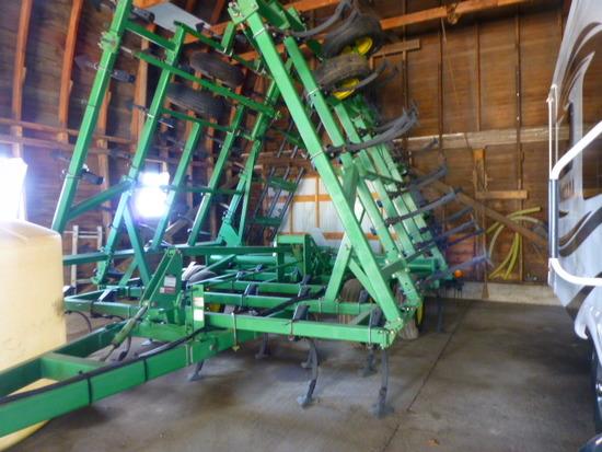 John Deere 980 35' Field Cultivator