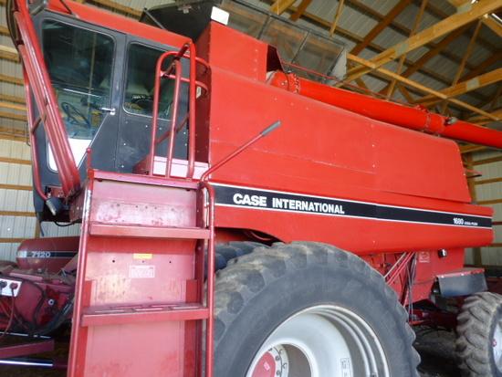 1992 Case IH 1680 Combine