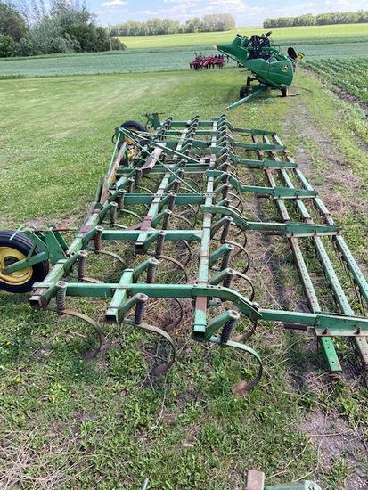 John Deere 1010 24 1/2 Field Cultivator