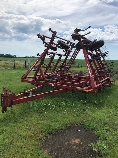 IH 4600 28' Field Cultivator