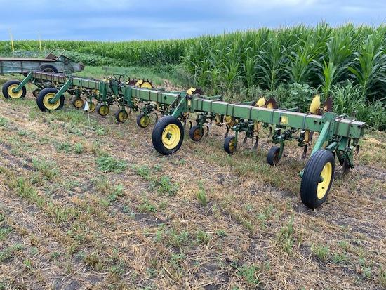 John Deere RM 12-30 Row Crop Cultivator
