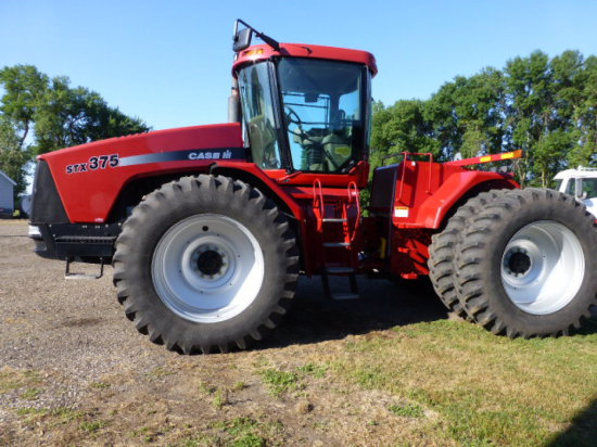 2004 CIH STX 375 Steiger Tractor