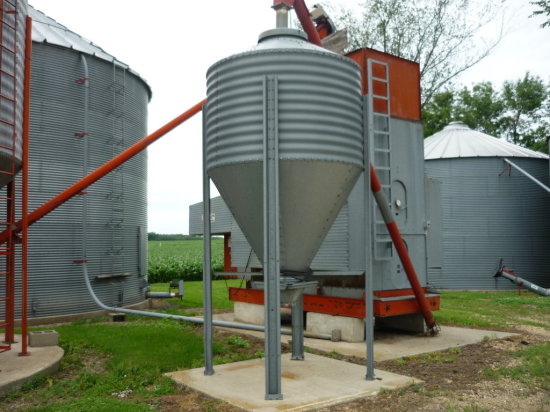 Surge Tank w/16' Feed Auger