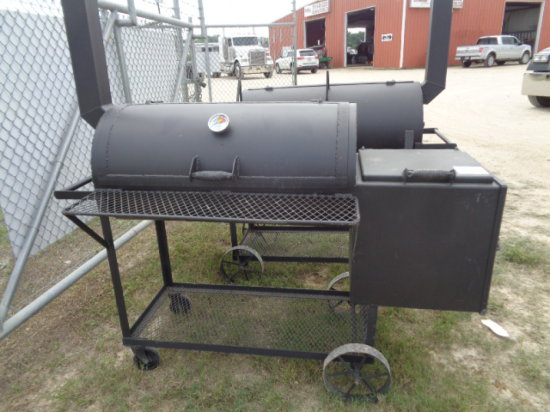 BAR-B QUE PIT WITH FIRE BOX