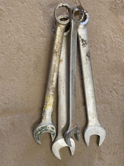 Wrenches 2-2 9/16, 2 1/2, 2 3/16 Location: Odessa, TX