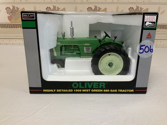 Oliver 1959 Mist Green 880 1/16th Scale