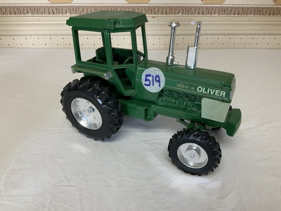 Spirit of Oliver Tractor 1/16th Scale