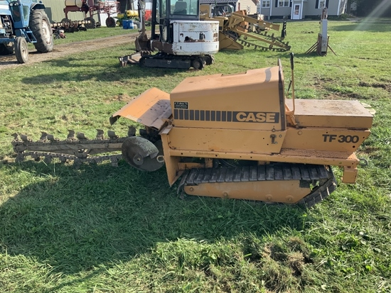 Case trencher TF 300 w/Wisconsin Eng., front dirt auger, 398Hrs., (SN 11029063N)