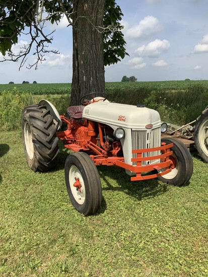 STROHM AUCTION OF COLLECTOR TRACTORS