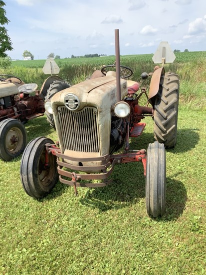 Ford 800- '54 (SN8926) Avg. to Good cond.