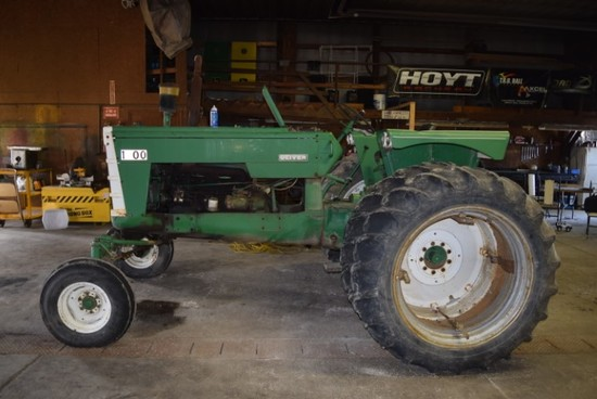 Oliver 1800 gas w/wf, 1-SCV, 15.5-38 rubber & clamp on duals (SN 182218)(needs motor work)