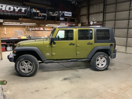 2007 Jeep Renegade Unlimited, 4Dr., 4 speed, green exterior; 154,500mi., good rubber, LT285/70R15