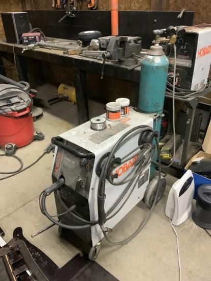 HOBART Iron Man 230 Welder-wire feed-30/250 Amp