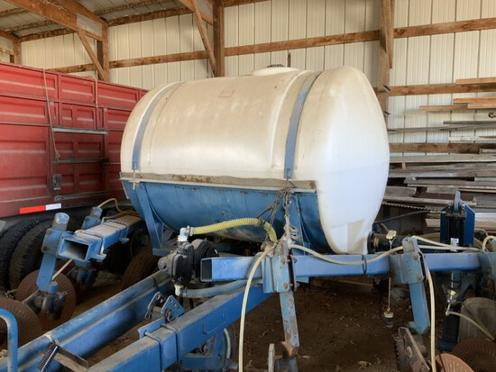 11-Shank 28% Applicator w/ new lift cyl's & 500gal tank