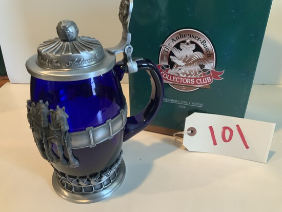 """Collectors Club 2004 """"World Famous Clydesdales"""" Members Only Stein"""