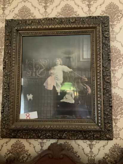 Antique picture frame w/photo