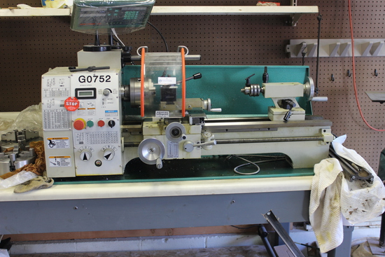 Grizzly Industrial Variable Speed Lathe 2017 Model G0752 S/N 1720005, Motor: 1 HP, 3-phase with inve