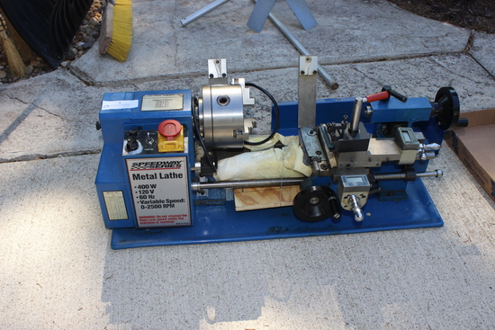 Speedway Series Metal Lathe 400 w 120v, Vaiable speed 0-2500 rpm, in excellent condition.