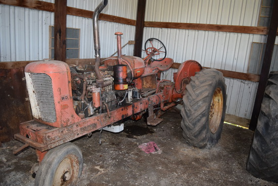 WD Allis Chalmers (not running - maybe parts tractor - Does have hood)