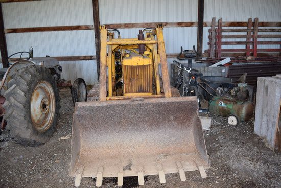 JD 40 Ind. Smooth track crawler w/materials bucket