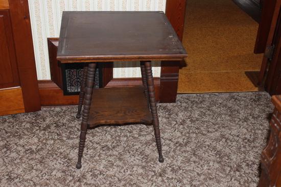 """Oak Veneer with spool legs table 24"""" x 24"""" top"""