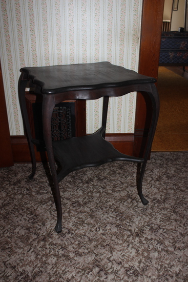 """Serpentine Edge Parlor Table 20"""" x 20"""" top"""