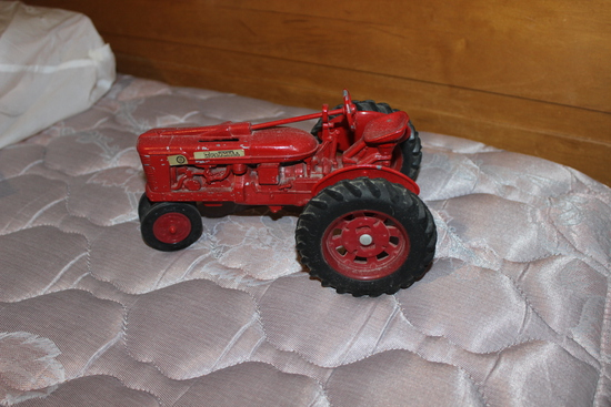 Farmall H Toy Tractor