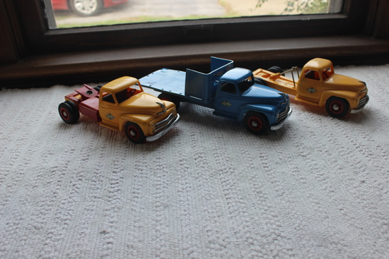 International Plastic Toy Trucks-1 Blue and 2 yellow and Trailer