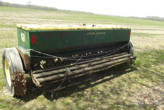 JD 18-7 grain drill w/ big box, grass seeder, dd