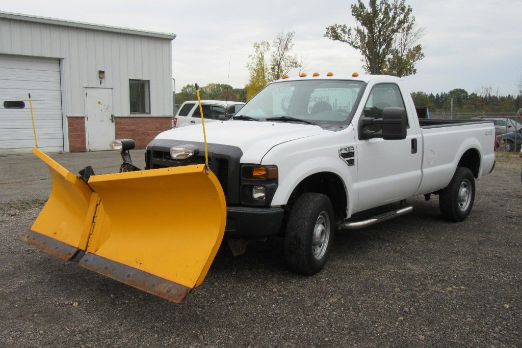 2010 FORD F-250 XL PICKUP TRUCK WITH MEYER V-PLOW