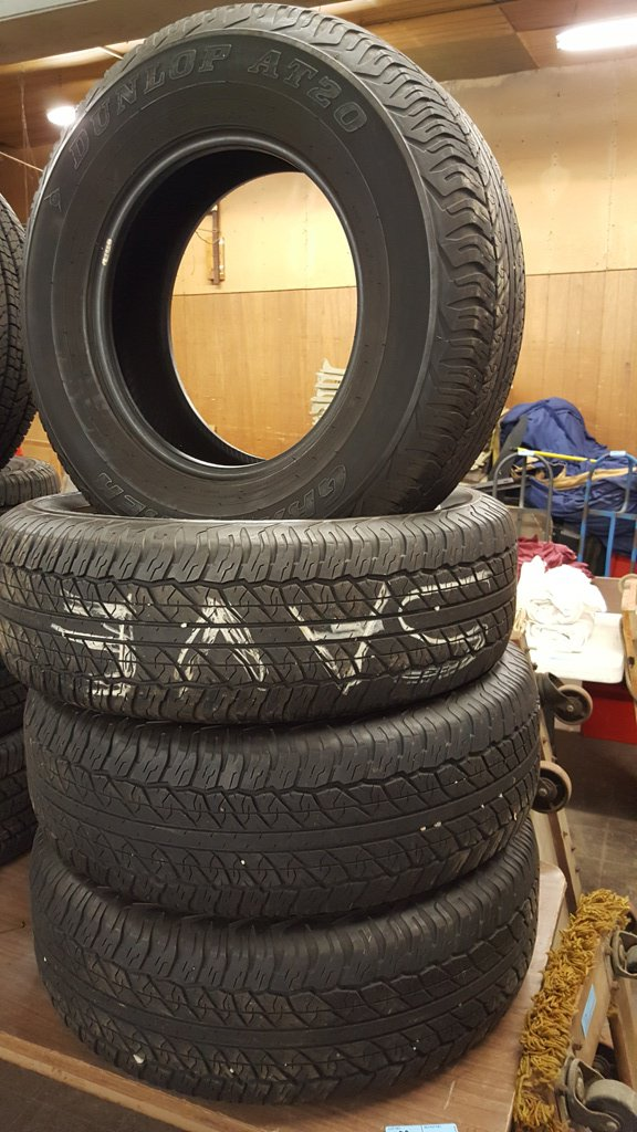 4 DUNLAP GRANDTREK AT20 P265/70R17 TRUCK TIRES (LESS THAN 5K MILES)