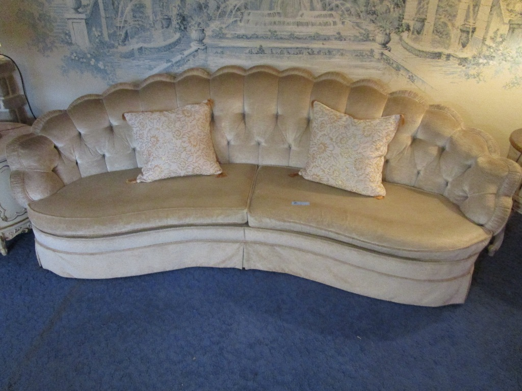 Lot Ecker Shane Furniture Company Of Cleveland Velour Sofa