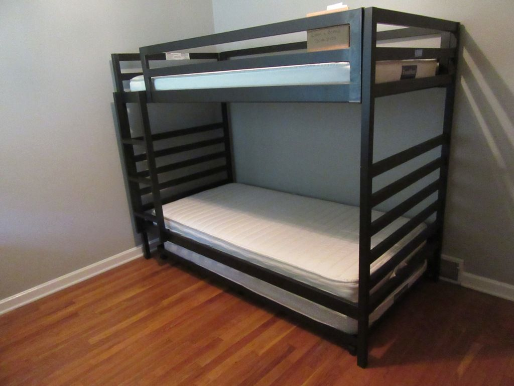 Lot Room Board Bunk Bed With Pull Out Mattress Proxibid Auctions