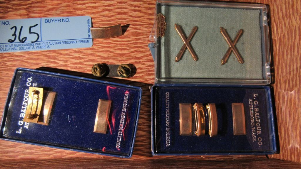 Lot: SHOE FORMS, MILITARY INSIGNIA PINS, STERLING SILVER INSIGNIA