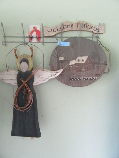 Wooden Angel Wall Hanging Wel Auctions Online Proxibid