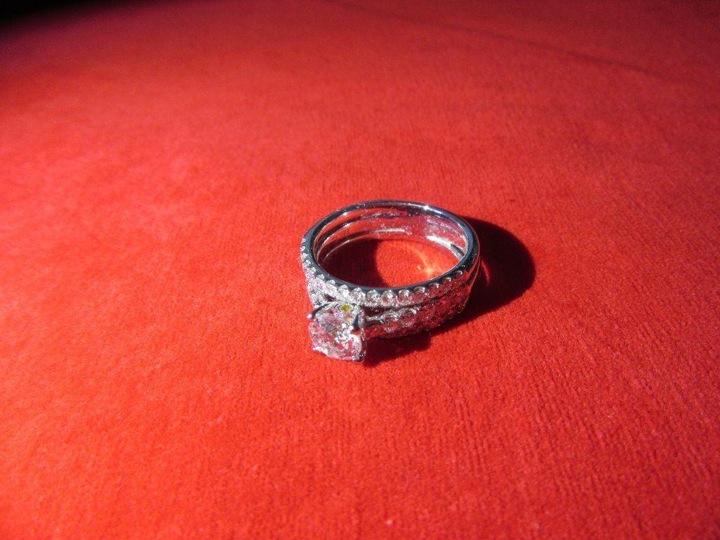 10-2-18 WRA - LADIES 18K WG DIAMOND WEDDING SET