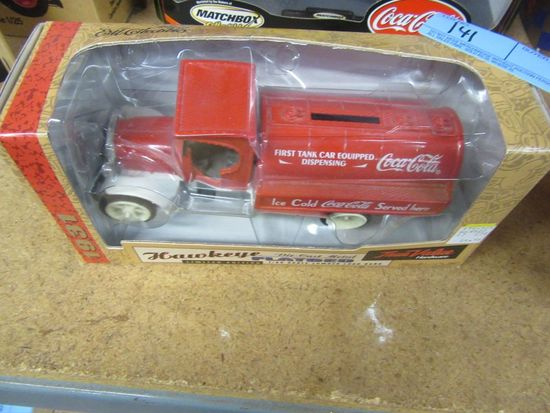 HAWKEYE 1931 TRUE VALUE HARDWARE LIMITED EDITION LUMBER LOAD BANK FLAT BED