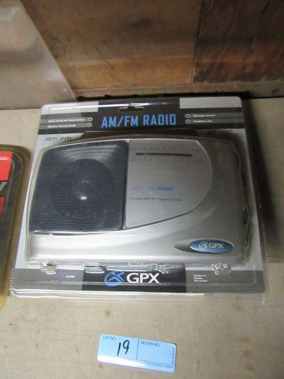 AM/FM RADIO GPX