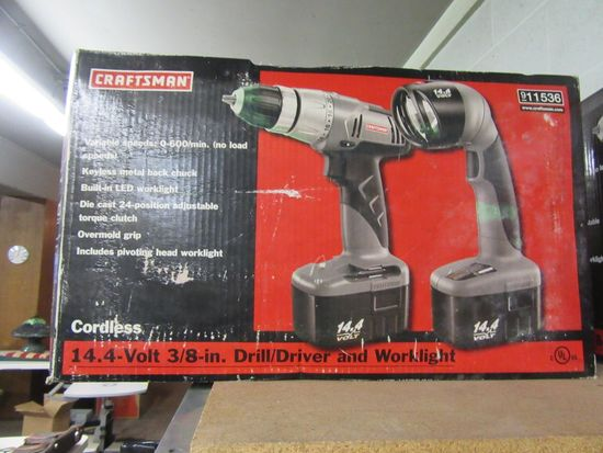 CRAFTSMAN CORDLESS 14.4 V 3/8 IN DRILL/ DRIVER AND WORK LIGHT