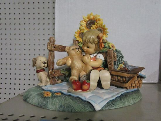 GOEBEL TEDDY BEAR PICNIC DISPLAY 1132-D AND TEDDY BEAR TALES FIGURINE SPECI