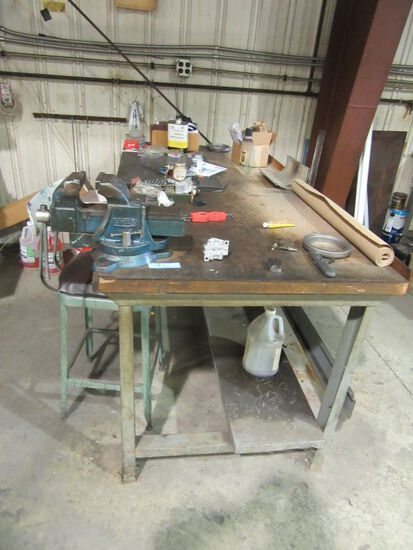 WORK TABLE AND VISE