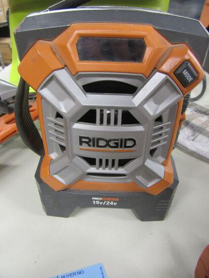 RIDGID 18 VOLT RADIO. MODEL R84081. NO BATTERY OR CHARGER