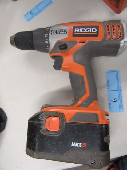 RIDGID 18 VOLT CORDLESS DRILL WITH AUTO SHIFT AND BATTERY. MODEL R86014. NO