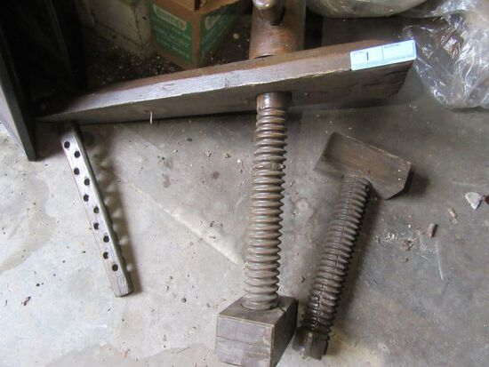 LARGE ANTIQUE WOODEN VISE MADE BY OHIO TOOL COMPANY