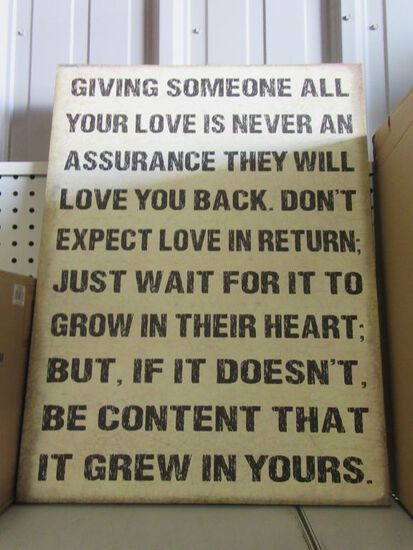 1 GIVING LOVE CANVAS