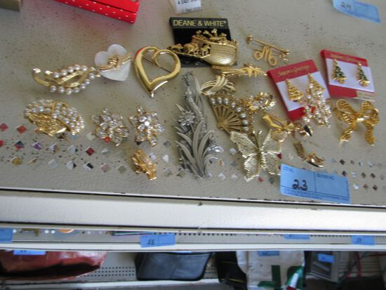 VARIETY OF PINS AND EARRINGS