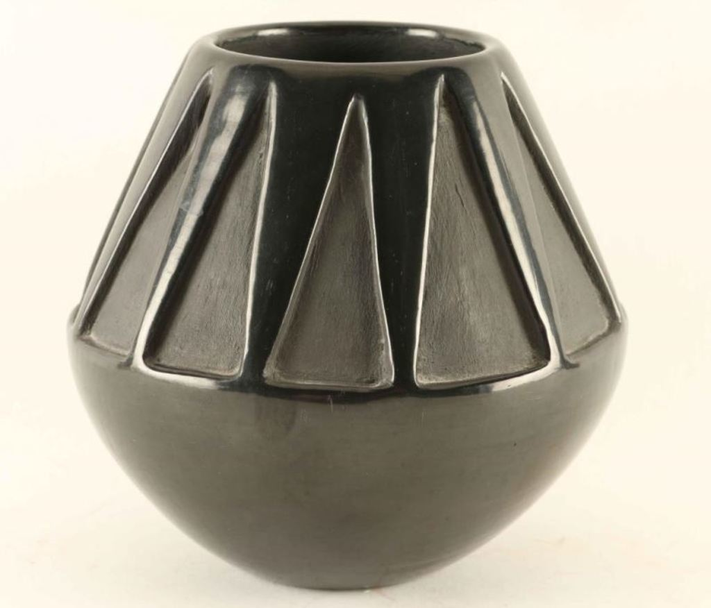 Blackware Santa Clara Pot