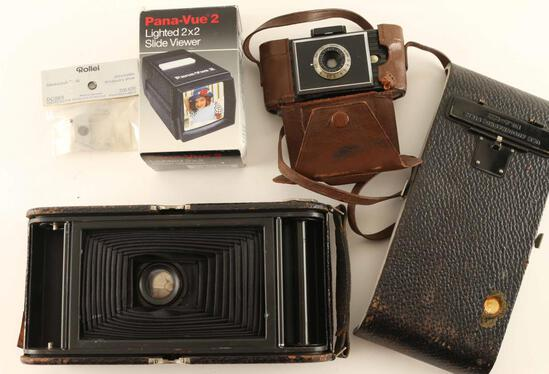 Photography Lot - Cameras & Misc