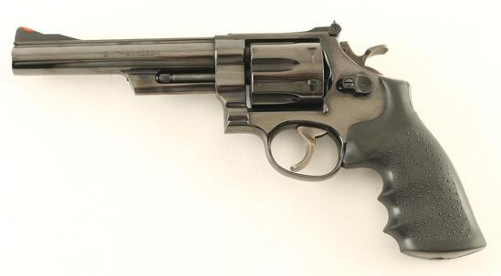 Smith & Wesson Model 57 .41 Mag SN: N305337