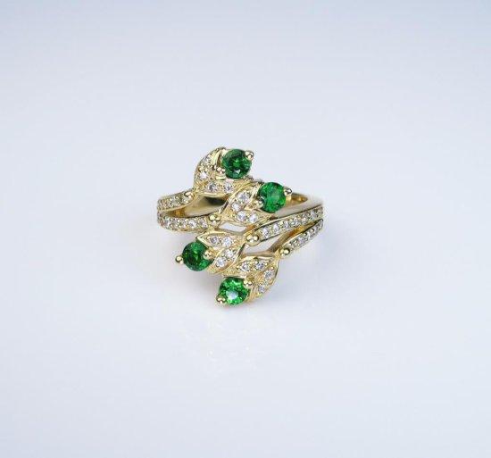 Designer Sonia B. Tsavorite Garnet and Diamond Ring with a nature
